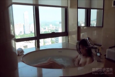 CHINESE NUDE MODEL GET CREAMPIE BY PHOTOGRAPHER
